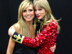 Celeb Tweets & Pics From the 2012 MTV EMA
